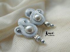 Bianco e argento - orecchini soutache! Matrimonio orecchini orecchini soutache, con filo boucles d'oreilles