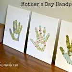 Mothers Day Craft for Kids: Handprint Canvases!  {such a sweet memory to keep for years to come!}