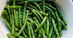 Can Green Beans, Steamed Green Beans, Garlic Green Beans, Dinner Side Dishes, Dinner Sides, Refried Beans Recipe Easy, Green Chili Sauce, Steam Veggies, Edible Food