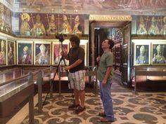 El fotógrafo Marcos López inmortalizando la catedral de Toledo.