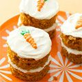 Having company over? These scrumptious little cakes are sure to be a hit! #recipes #party #cakes