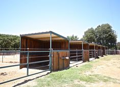 3 sided sheds at Clinton Anderson training facility in Texas