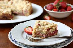 Strawberry Rhubarb Coffee Cake - my favorite pie just became my favorite breakfast dessert... thank Lord.