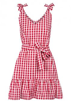 Sukienka wykonana z bawełnianej tkaniny w czerwono białą kratkę . Sukienka w literze A z falbanką, wiązana na ramionach, dzięki temu można regulować długość. Przód sukienki lekko asymetryczny. Dodatkowo sukienka posiada pasek wykonany z tej samej tkaniny. Sprawdzi się zarówno do eleganckich stylizacji , jak również letnich wycieczek poza miasto