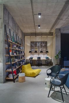 A modern office space that looks like an urban loft - Office Furniture Loft Interior, Office Interior Design, Office Interiors, Office Designs, Design Offices, Studio Interior, Modern Interiors, Luxury Interior, Industrial Home Offices