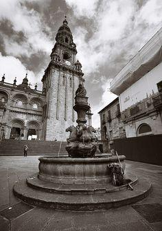 Plaza de #Platerias con la Torre #Berenguela y la fuente de los caballos. #Santiago de #Compostela. A Coruña #Galicia