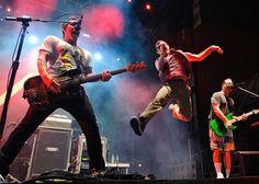 Weezer plots summer excursion, new 'Memories' gig [Concert Tickets]