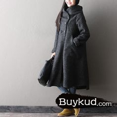 """Fabric: 15% cashmere, 55% wool, 30% polyesterLining: PolyesterWeight: 1.8kgSize: one sizeOne sizeLength: 102-108 cm / 40.16-42.52 """"Shoulder: 41 cm / 16.14 """"Bust"""