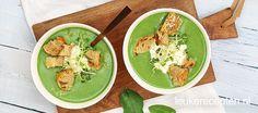 Snelle soep boordevol groene groenten met een vleugje kokos en zelfgemaakte croutons.