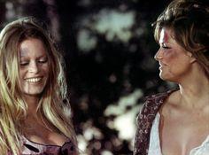 """Brigitte Bardot, Claudia Cardinale dans """"Les Pétroleuses"""" (Christian-Jacque, 1971)"""