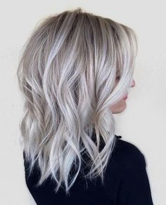 dark roots and ice blonde hair trends 2018 Silver Blonde Hair, Icy Blonde, Blonde Color, Ash Blonde Bob, Ash Blonde Balayage Silver, Ice Blonde Hair, Ombre Colour, Gray Ombre, Ombre Bob