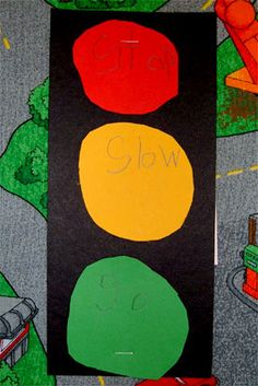 Let's Move: wheels on the bus project, traffic light poem, school bus snack, songs and poems