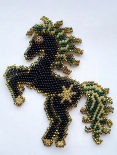 78 best images about Beaded Horses on Pinterest | Peyote stitch patterns, Seed bead earrings and ...