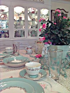 These have been the dishes I have wanted forever <3  Penny's Vintage Home: Summer Tablescapes