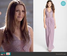 Worn by elena gilbert (nina dobrev) on the vampire diaries Elena Gilbert, Ian Somerhalder Smile, Caroline Forbes, The Cw, Celebrity Outfits, Celebrity Style, Fashion Tv, Fashion Outfits, Looks Teen