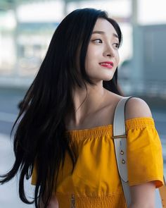Kyulkyung at ICN going to China. Kpop Girl Groups, Korean Girl Groups, Kpop Girls, Music Pictures, Girl Pictures, Ioi Pinky, Ioi Nayoung, My Girl, Cool Girl