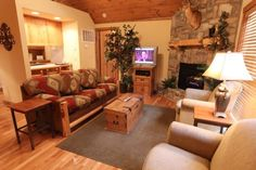 If you want the best of all worlds, look no further. Want your own little cabin? Check! Want a place where Dad can golf and the kids can swim and play to their hearts' content? Check! Want to earn some money when you're not using your vacation home? Check! This 2 bedroom, 2 bath lodge located at Stonebridge Resort is fully furnished and just waiting for you and the family to enjoy. Features include a gas fireplace and a great screened-in deck. Amenities at gated Stonebridge Resort include…