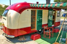 Beautiful vintage trailer ~ IM IN LOVE! one day I either want this one or a revamped Airstream! I would totally go camping if we had sweet accommodations like this! Retro Trailers, Retro Caravan, Vintage Travel Trailers, Camper Trailers, Airstream Campers, Caravan Ideas, Gypsy Caravan, Camping Vintage, Vintage Rv