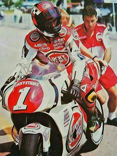 500cc Motorcycles, Jet Fighter Pilot, Motorcycle Suit, Suzuki Gsx, Classic Bikes, Road Racing, Sport Bikes, Motogp, Motocross