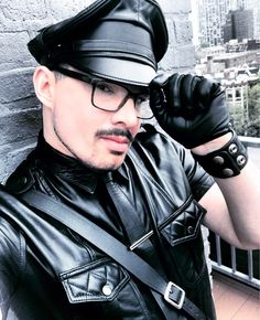 Leather Tops, Leather Jacket, Chicago, Gay, Jackets, Fashion, Studded Leather Jacket, Down Jackets, Moda