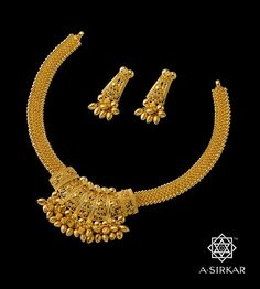 Types of gold jewellery Gold Ring Designs, Gold Earrings Designs, Gold Jewellery Design, Necklace Designs, Gold Necklace Simple, Gold Jewelry Simple, Gold Jhumka Earrings, Filigree, Luxor