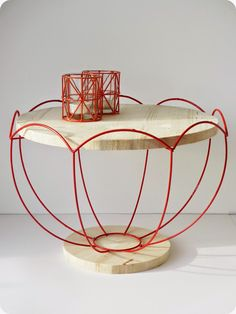 *Tadaam !: Guéridon abat-jour Bricole Girl, Mobiles, Art N Craft, Wood Design, Table Furniture, Glass Bottles, Decorative Bowls, Candle Holders, House Design