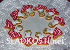 Muchomůrky s marmeládou Christmas Cookies, Baking Recipes, Sugar, Cooking, Desserts, Cupcakes, Xmas Cookies, Cooking Recipes, Kitchen