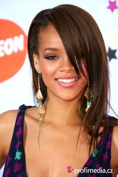 Rihanna's short hairstyles are truly awesome! I liked the short bob with blunt bangs haircut the most.