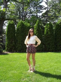 This Fashionista pairs floral print and sparkles together and it totally works!   http://www.collegefashionista.com/style-guru-bio-brittany-was-2/