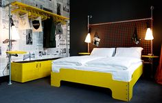 Bright eclectic design of hotel-hostel Superbude St Pauli in Hamburg Design Hotel, Hamburg City, Retail Clothing Racks, Hotel Concept, Decoration Originale, Hotel Interiors, Pipe Furniture, Industrial Furniture, Studio Apartments