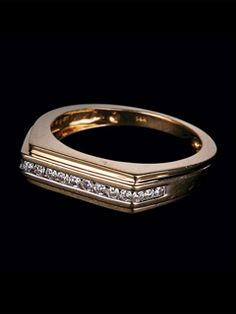 Bring Home This Beautiful Contemporary Design Set In 14 Carat Gold With 0.23 Carat Diamonds.