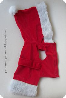 Christmas time is here, so here I let you these free patterns to make your own santa claus dog outfit. Is the perfect dog outfit for the most special xmas! Dog Furniture, Dog Clothes Patterns, Costume Patterns, Dog Jacket, Pet Clothes, Dog Clothing, Pet Costumes, Dog Pattern, Dog Sweaters