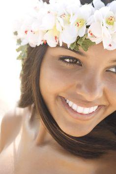 Beautiful Hula Dancer from Hawaii Hawaiian Woman, Hawaiian Girls, Maui Weddings, Hawaii Wedding, Hula Dancers, Great Smiles, Hula Girl, Island Girl, Hawaiian Islands