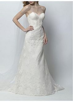 STRIKING TULLE A-LINE STRAPLESS SWEETHEART NECKLINE BEADED BRIDAL DRESS WITH LACE APPLIQUES LACE BRIDESMAID
