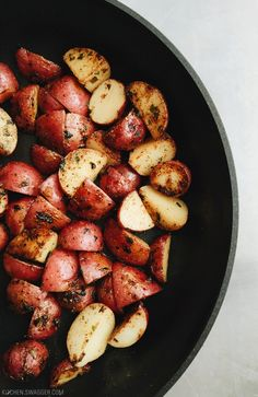 Roasted Red Potatoes with Garlic and Rosemary Recipe | Kitchen Swagger