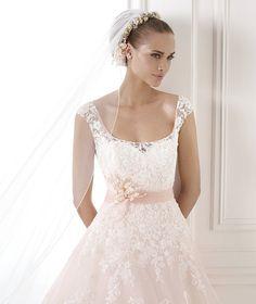 BIA, Wedding Dress 2015 pronovias