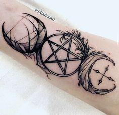 Heidnisches Tattoo, Wicca Tattoo, Witchcraft Tattoos, Body Art Tattoos, New Tattoos, Pentacle Tattoo, Tatoos, Tattoo Moon, Luna Tattoo