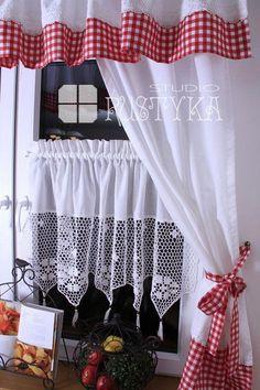 Kitchen Curtain Designs, Kitchen Curtain Sets, No Sew Curtains, Crochet Curtains, Shabby Chic Kitchen, Farmhouse Kitchen Decor, Cortinas Country, White Cottage Kitchens, Kitchen Window Curtains