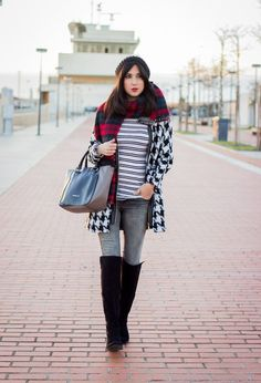 Inspiring And Sylish Houndstooth Print Outfits for Women in Winter - Weallchic - Fashion & Beauty