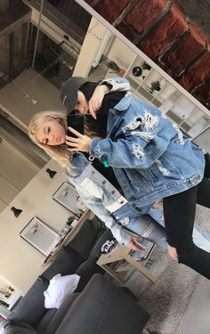 Loren and Luna Bff Pictures, Best Friend Pictures, Friend Photos, Cute Photos, Tumblr Bff, Tumblr Girls, Bff Goals, Best Friend Goals, Braces Girls