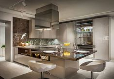 Modern Kitchen Interior Luxury Living Group Opens in Miami second showroom Fendi Casa Ambiente Cucina More - Hello, how are you? Today, Miami Design District will show share you a noveltie: Luxury Living Group Opens in Miami in Miami and London! Luxury Kitchen Design, Best Kitchen Designs, Shop Interior Design, Luxury Kitchens, Modern House Design, Interior Design Kitchen, Luxury Interior, Design Shop, Tuscan Kitchens