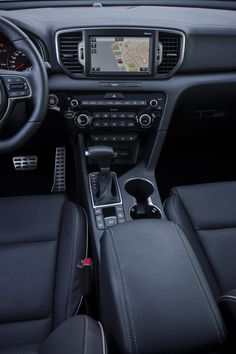 Kia revealed the details and showed the interior of the new Sportage Kia Sportage, Kia Optima, Kia Sorento, My Dream Car, Dream Cars, New Hyundai, Best Luxury Cars, City Car, Interior Photo