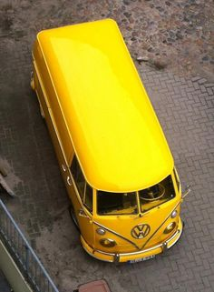 "This is NOT"" Mellow Yellow"".More like ""We all live in a Yellow Submarine"" Volkswagen Transporter, Vw T1 Camper, Vw Caravan, Volkswagen Type 2, Volkswagen Bus, Campers, Yellow Car, Mellow Yellow, Yellow Fever"
