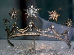 "thestandrewknot: "" Queen Emma's Star Tiara. "" Tiara Queen Emma of the Netherlands Apparently the stars are removable and can be worn as brooches. Royal Crowns, Royal Tiaras, Tiaras And Crowns, Royal Jewelry, Star Jewelry, Gold Jewelry, Princess Aesthetic, Crown Aesthetic, Circlet"