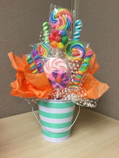 Candy bouquet I like that Candy Theme Birthday Party, Candy Party, Diy Birthday, Birthday Party Decorations, Candy Bouquet Birthday, Turtle Birthday, Turtle Party, Carnival Birthday, Birthday Parties
