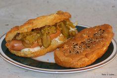 Wenn die Familie Hot Dogs isst, muss auch für den Low Carb Esser ein Hot Dog Brötchen her. Es wäre ja sonst auch gemein, wenn einer am Tisch sitzt und ein l
