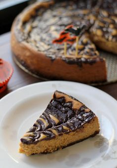 Make your holiday parties extra delicious with this Pumpkin Pie Cheesecake that's topped with a chocolate-stout ganache swirl! Your friends and family will surely be impressed this Thanksgiving. Pumpkin Pie Cheesecake, Cheesecake Recipes, Dessert Recipes, Raspberry Cheesecake, Oreo Cheesecake, Yummy Treats, Sweet Treats, Yummy Food, Chocolate Stout