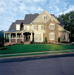 Eplans French Country House Plan - Elegantly Textured Facade - 3012 Square Feet and 4 Bedrooms from Eplans - House Plan Code French Country House Plans, European House Plans, Country House Design, French Country Style, European Style, Cottage House Plans, Dream House Plans, House Floor Plans, French Provincial Home