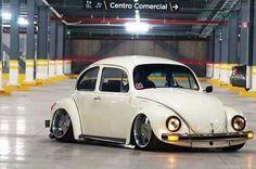 Custom Vw Bug, Custom Cars, Beetle Bug, Vw Beetles, Auto Volkswagen, Rodan And Fields Reverse, Vw Vintage, Datsun 510, Vw Cars
