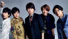Arashi...love Aiba's expression.
